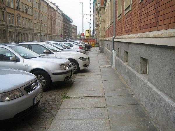 Gehwegparken auf der Oederaner Straße