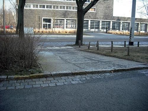 Bestehende, nicht barrierefreie Verbindung von der Dürerstraße zur Gerokstraße